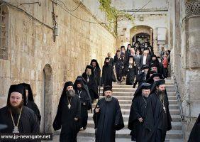 Спуск Святогробской Братиии в Пресвятой Храм Воскресения