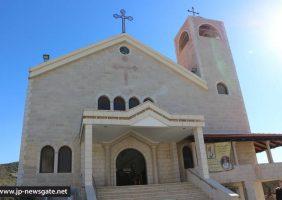 Недавно открытый св. храм Святого Георгия Победоносца в Пкее